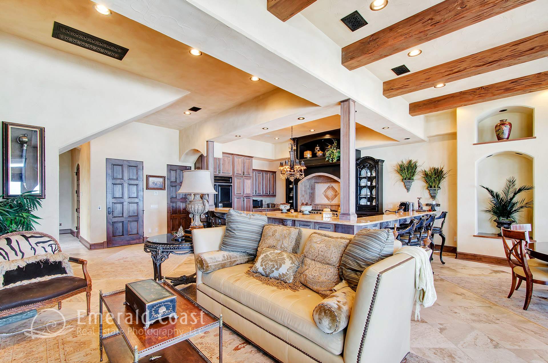 beach style living room in Destin