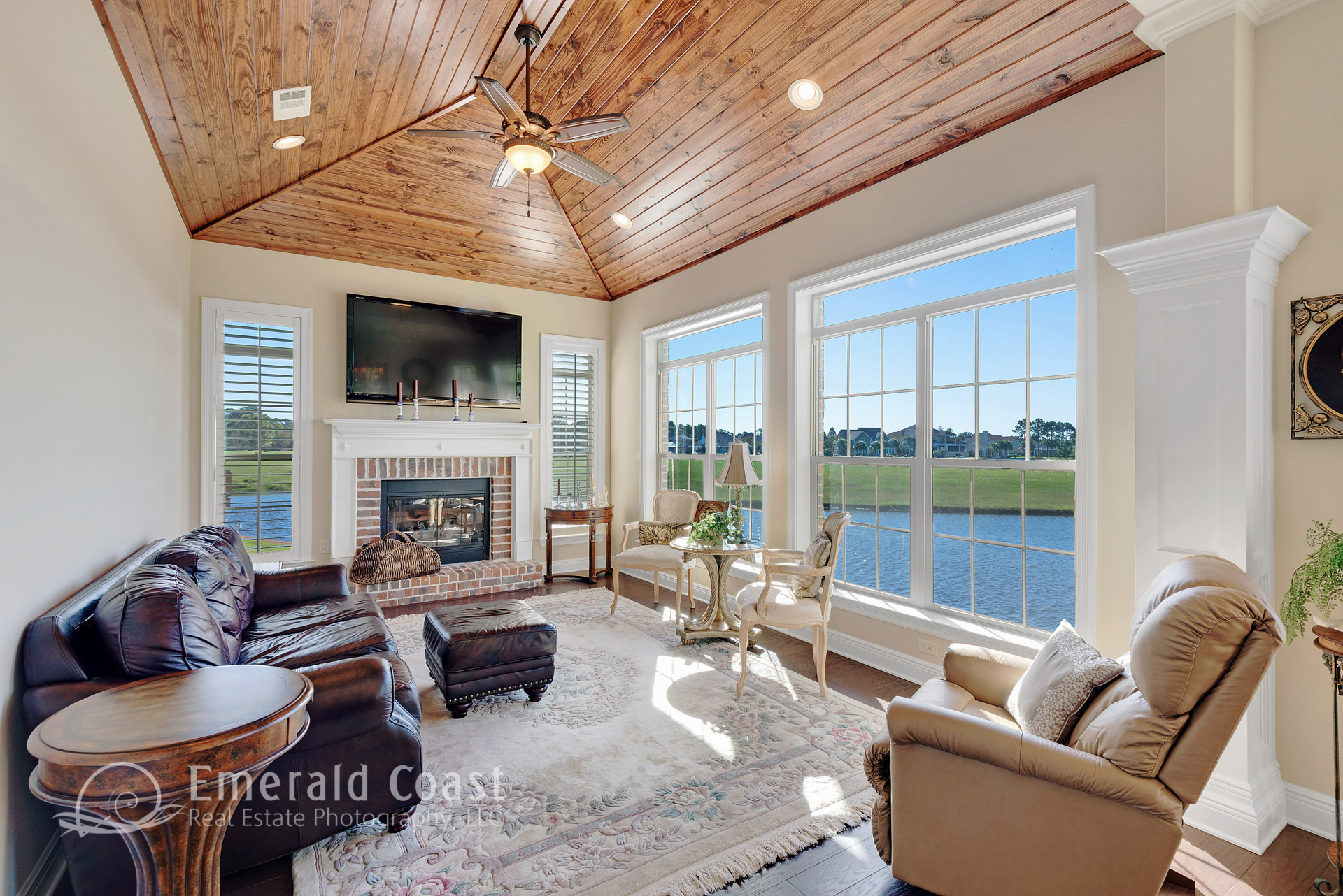 waterfront Living room