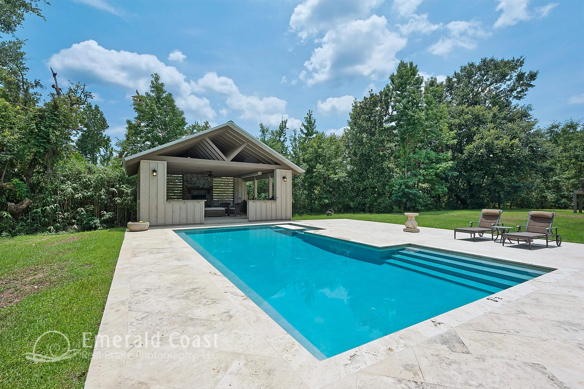 swimming pool with bath ho0use