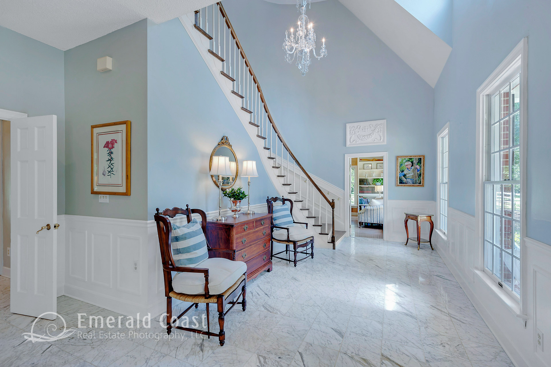 Front entryway with staircase